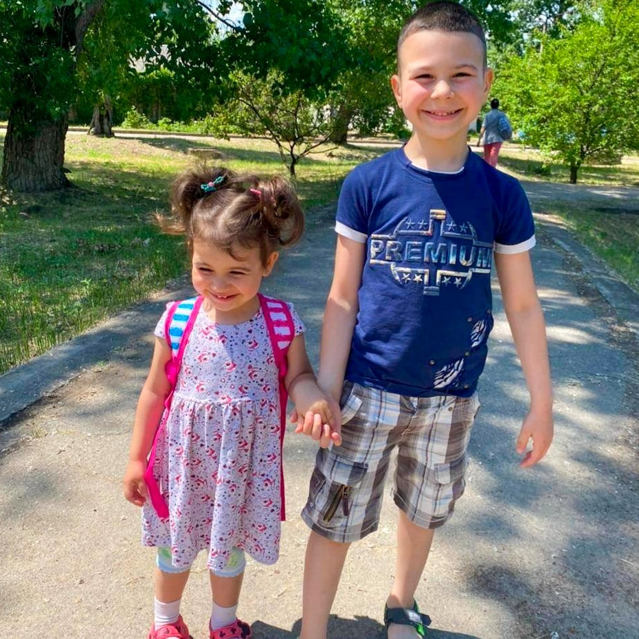 Мои внуки: Эстер и Девид
